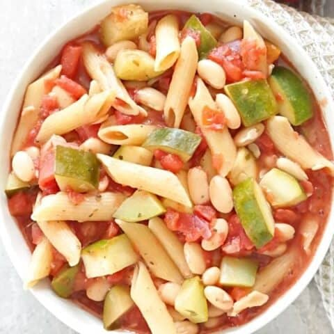 Vegan One Pot Pasta with Tomato, Zucchini, and Beans