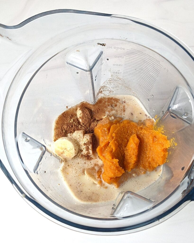 pumpkin smoothie ingredients in blender